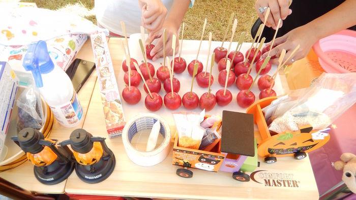 キャンプでリンゴ飴