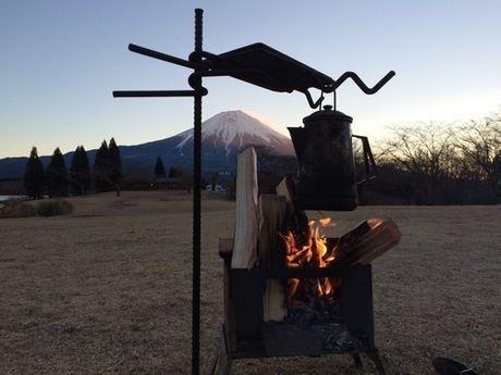 焚火ができるオープンタープ