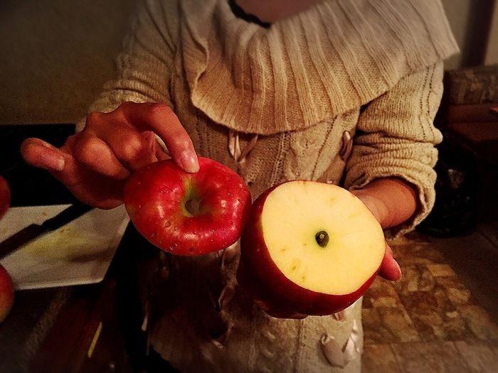 輪切りにされたリンゴ