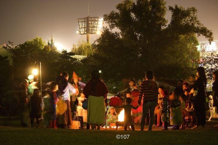 夕暮れ時のCampeena 主催イベント Happy Halloween campの様子