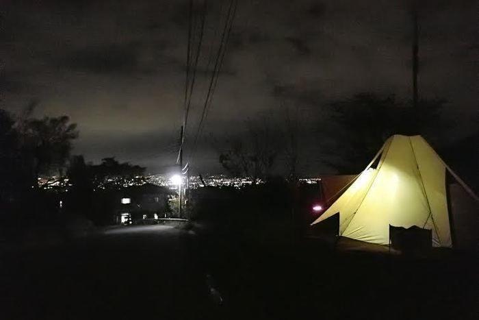 八代ふるさと公園に張られたテント