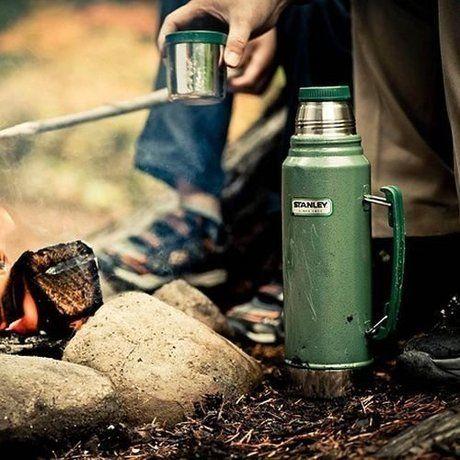 アラジン社のスタンレーボトルと焚き火
