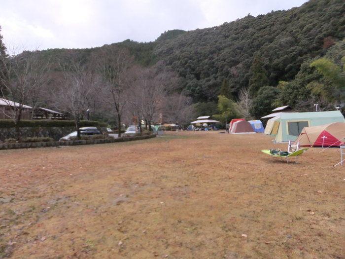 川湯温泉野営場木魂の里のキャンプサイト