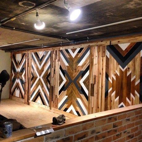 色が塗られた後の木工机