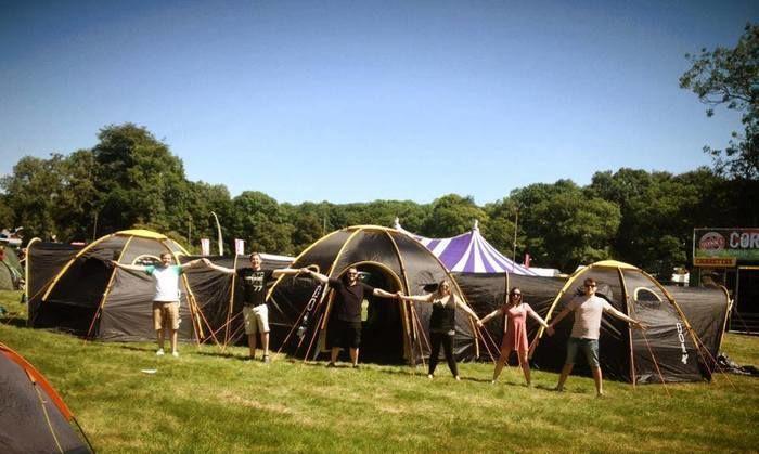 連結させたPOD Tentの外観