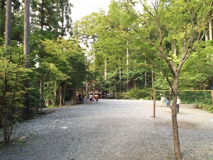 道志村とやのさわキャンプ場の広場