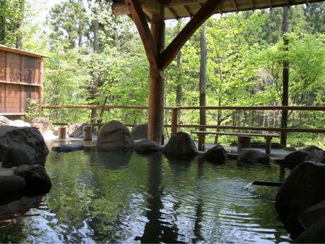 日光・まなかの森の露天風呂