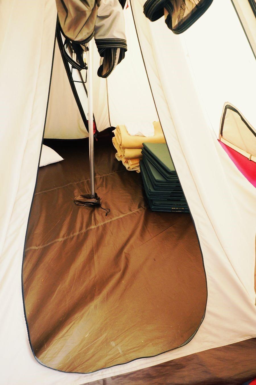 テントサイトの入口