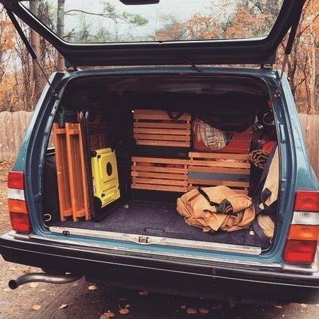 トランクに積まれたINOUTのStack Box Shelf