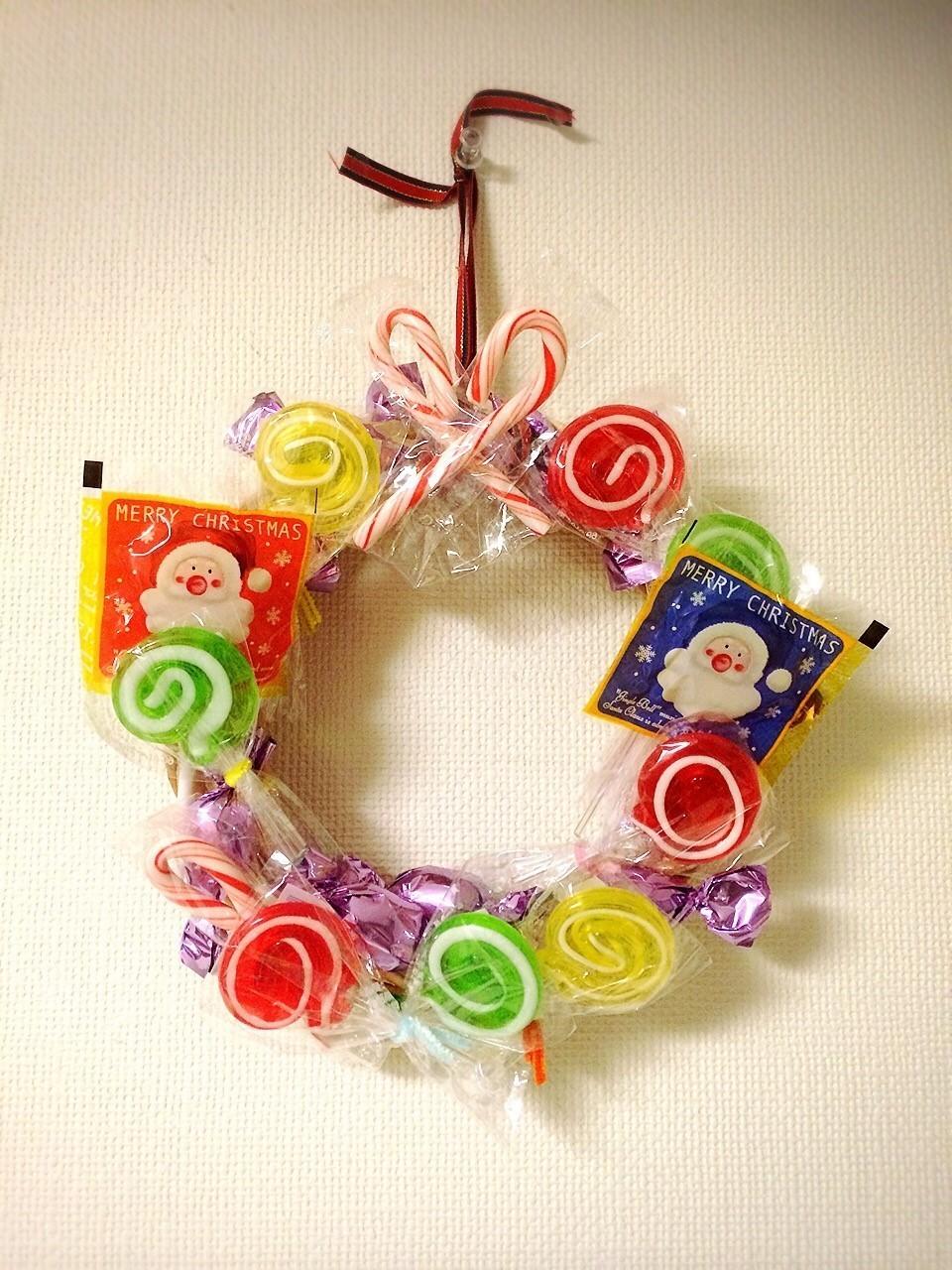 【100均DIY】子どもと一緒にお菓子の手作りクリスマスリースを作ってみた!