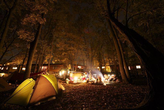 夜の女子キャンプの様子