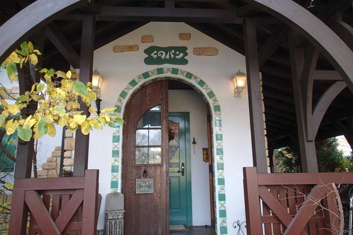 くのパンの入り口のドア