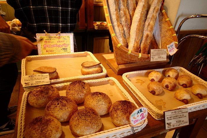 清泉寮パン工房&ジャム工房で売られている様々なパン