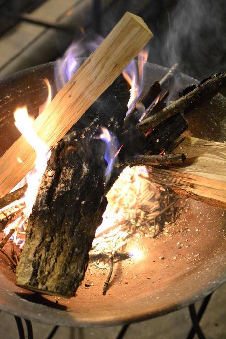 焚き火の燃え始め
