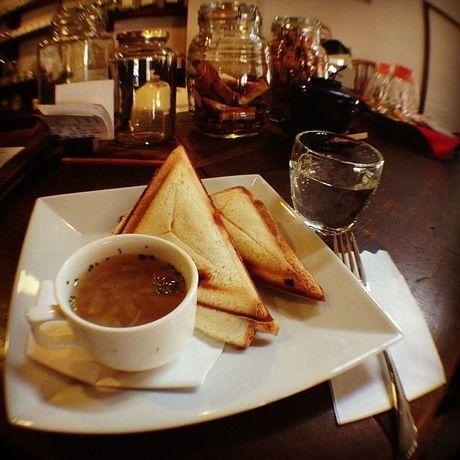 スープとホットサンド