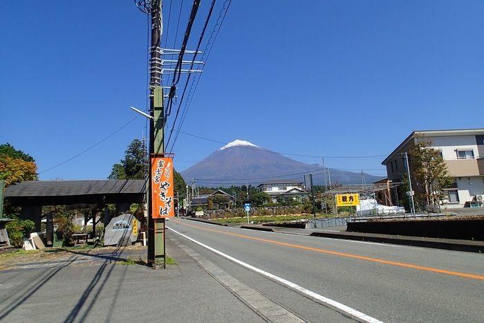 富士山が見える道路