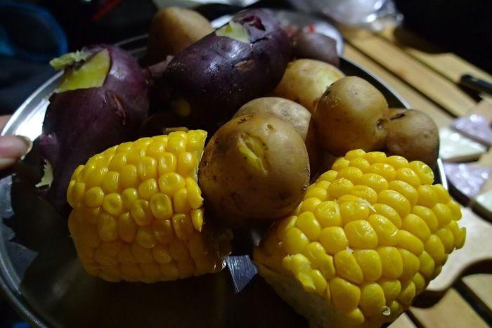 芋とトウモロコシ