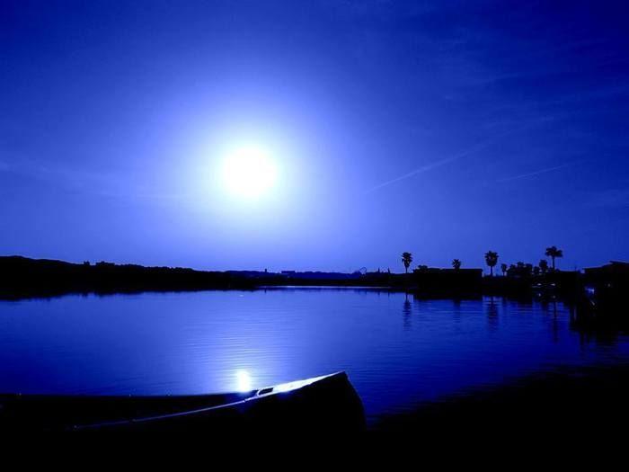 勢志摩エバーグレイズの湖とカヌー