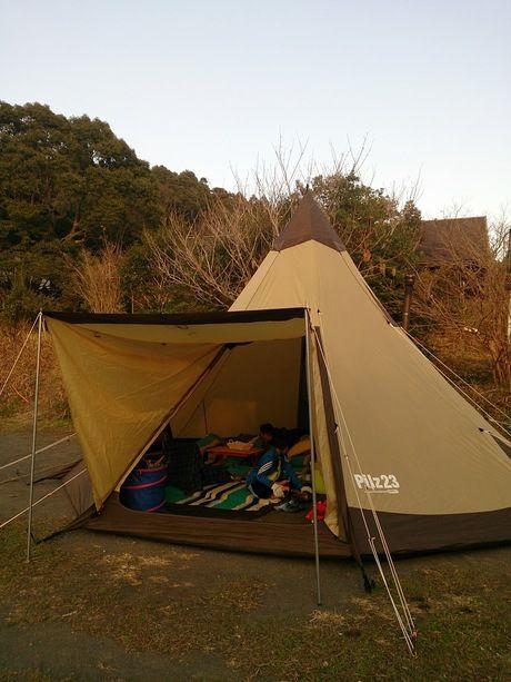 キャンピングヒルズ鴨川に張られたテント
