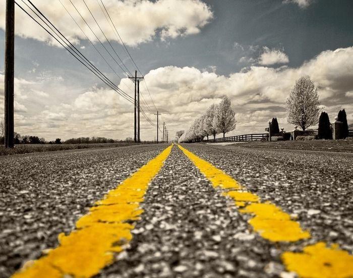 道路の線の写真