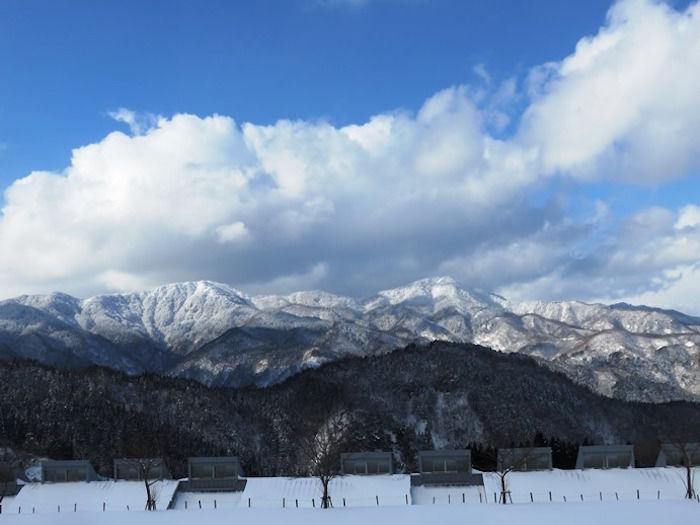 美方高原の雪山と雪景色