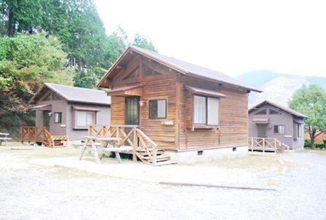 大人数キャンプにおすすめなコテージ 相森ふれあい公園青土ダムエコーバレイ 滋賀県