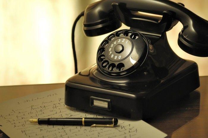 予約をするための電話機