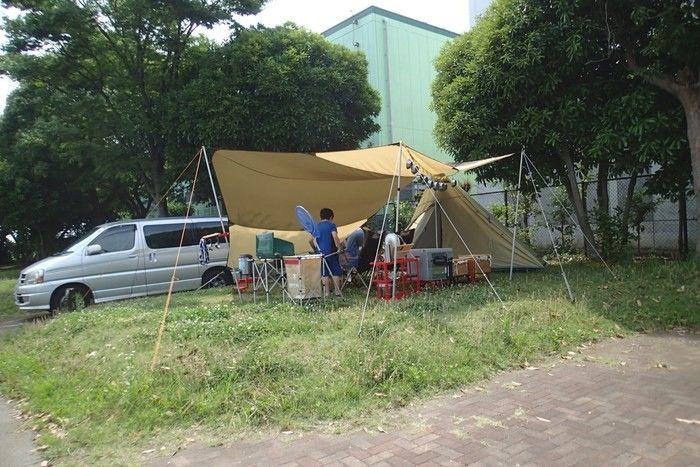 車の横づけができるオートサイトのキャンプ場