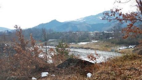 コロナエスケープ会場、埼玉県の「フォレストサンズ長瀞」の裏の川