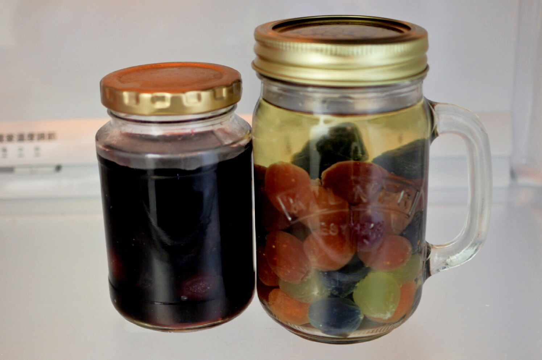 ワインに漬けたコロロを冷蔵庫で1~2日寝かします