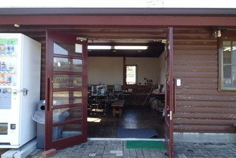 日川浜海水浴場の隣の日川浜キャンプ場