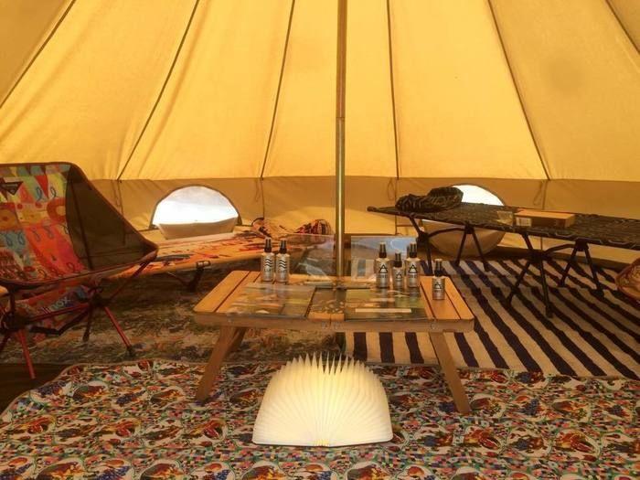 VILLAGE INCのテントの室内