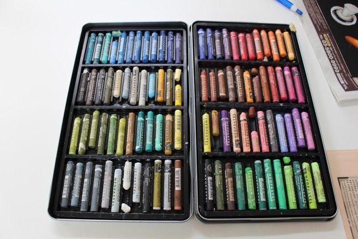 オイルパステルの全色の一覧