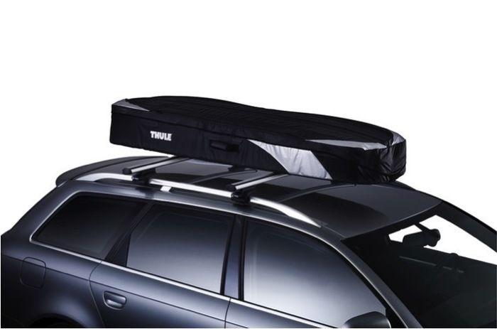 ベースキャリア+折り畳み可能なソフトタイプBOXを車に装着した様子