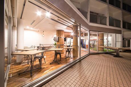 (静岡県浜松市)365BASEの室内のテラス