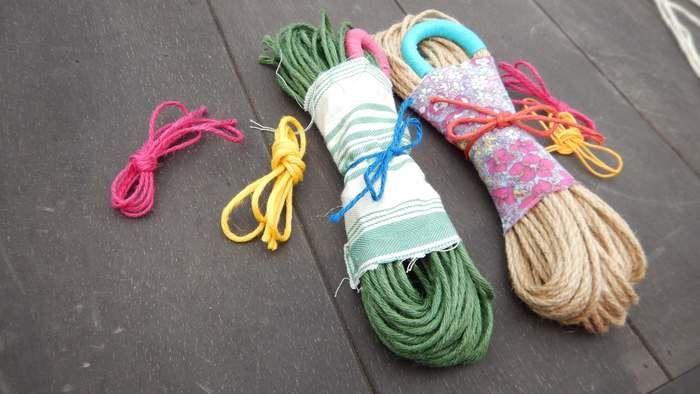 色とりどりの紐