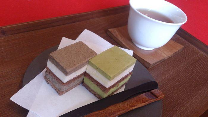 日本茶カフェの和菓子とお茶
