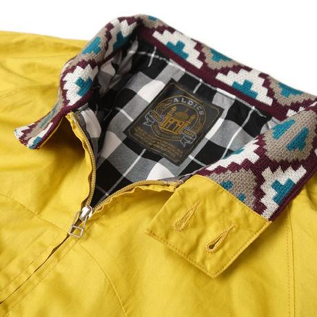 アールディーズのユキーズジャケットの襟