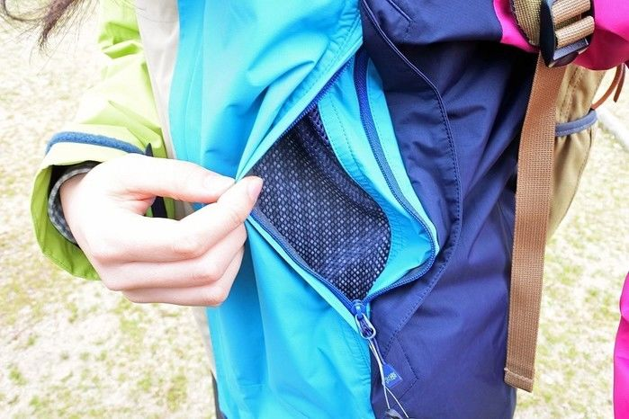 karrimorのジャケットのポケット