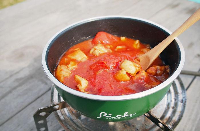 リッケのキッチン用品で作ったチキンのトマト煮込み