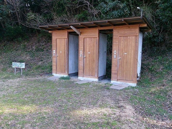 タンポポサイトのトイレの外観