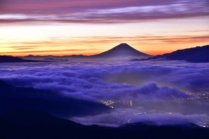 夕焼け空の美しい雲海