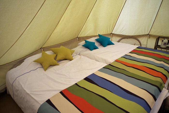 森と星空のキャンプヴィレッジのベッド