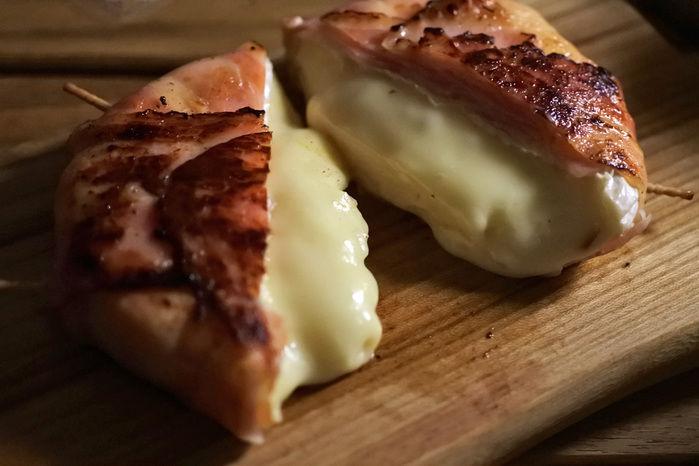 キャンプで食べたい簡単絶品おつまみ、ベーコンカマンベールチーズ