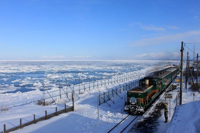 北海道網走市を走る電車