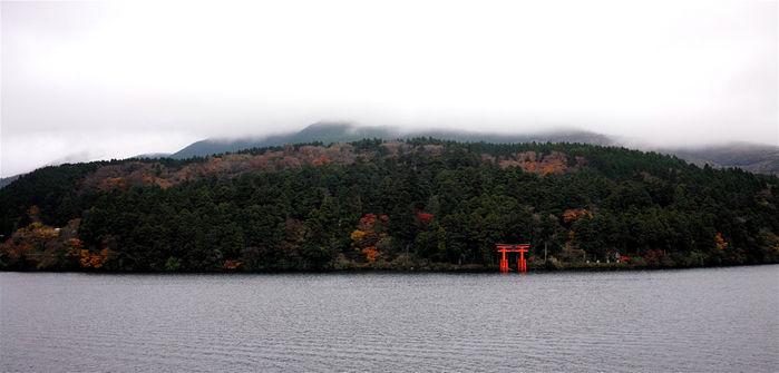 神奈川県箱根町の湖
