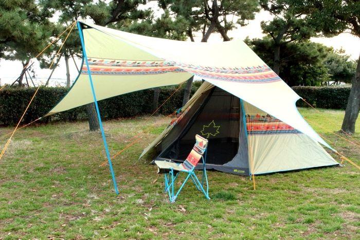 ロゴスのナバホ柄のタープとテント