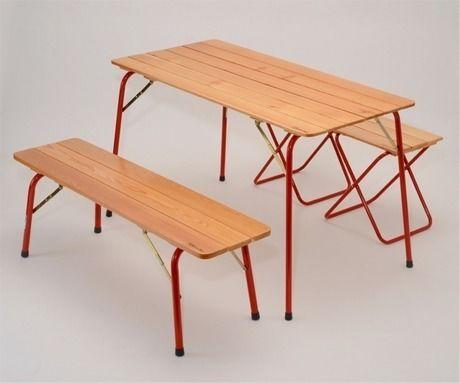 カステルメルリーノの折りたたみ木製アウトドアベンチ