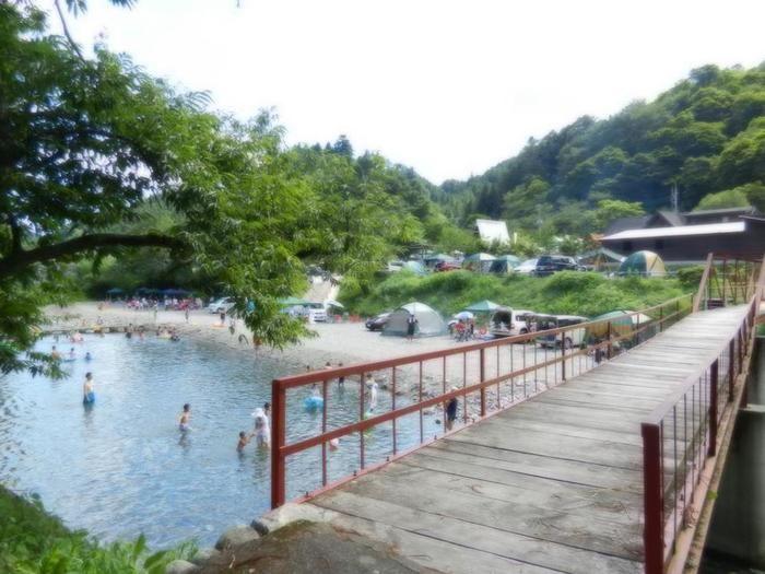 【埼玉県】ケニーズ・ファミリー・ビレッジのキャンプ場の天然プール