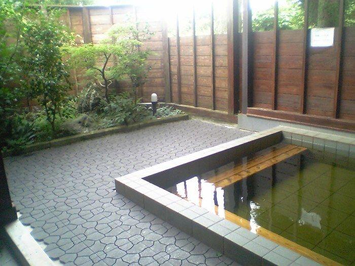【千葉県】勝浦チロリン村オートキャンプ場の天然露天風呂